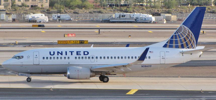 United 737 500